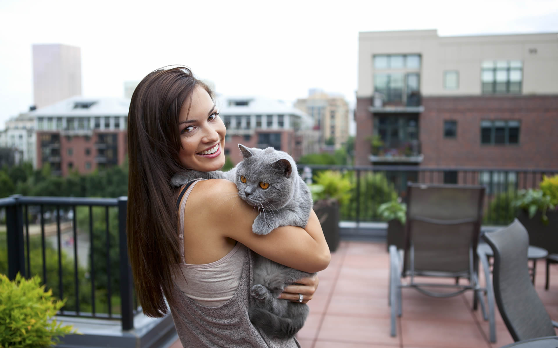 City woman with cat